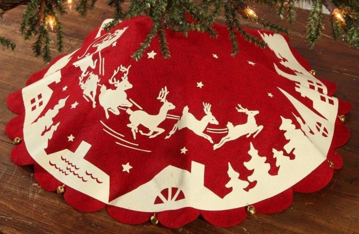 Red and White Reindeer Christmas Tree Skirt