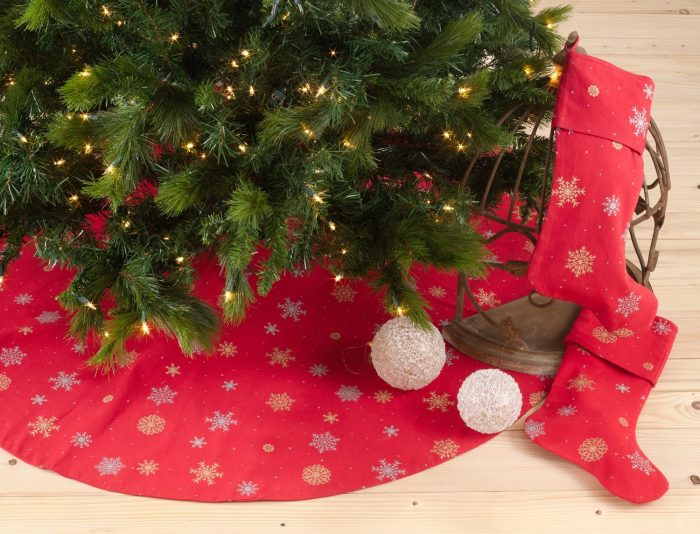 Snowflake Design Christmas Tree Skirt