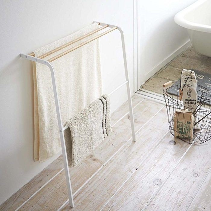 Leaning Bath Towel Rack