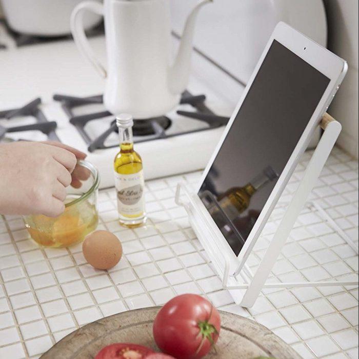 Sturdy Design Cookbook Stand
