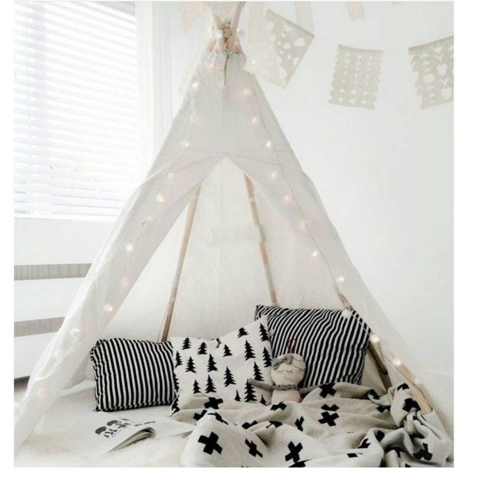 White Kids Play Teepee Tent