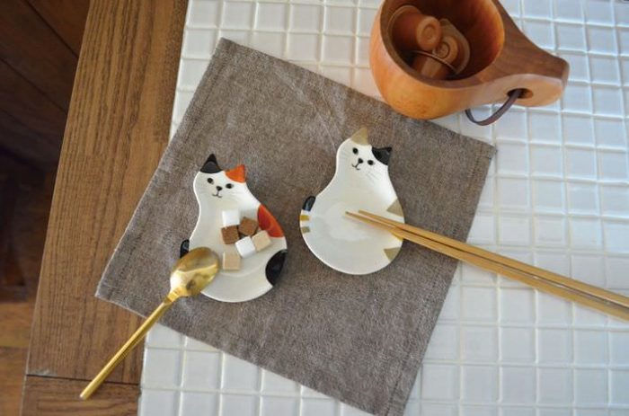 Adorable Happy Cat Day Chopstick Rest