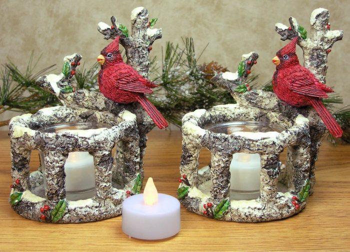 Beautiful Woodsy Cardinal Christmas Candle