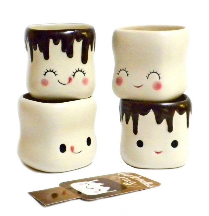 Adorable Marshmallow Christmas Mugs