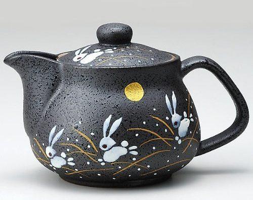 Traditional Rabbit Pattern Teapot