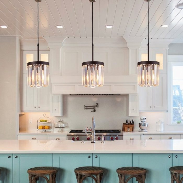 Elegant Crystal Pendant Light