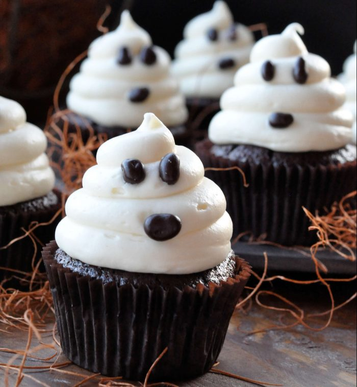 Cute Little Ghosts Halloween Cupcake