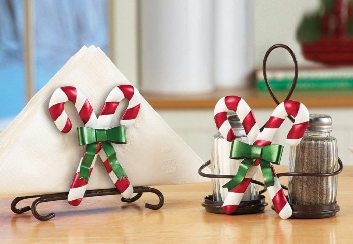Festive Candy Cane Serveware Accessory Set